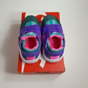 Nike Shoes - SOLD!NEW!Nike Huarache Run Now (Toddler)